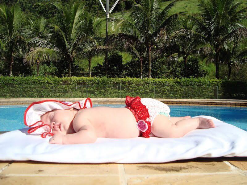 Banho de sol para bebês e crianças
