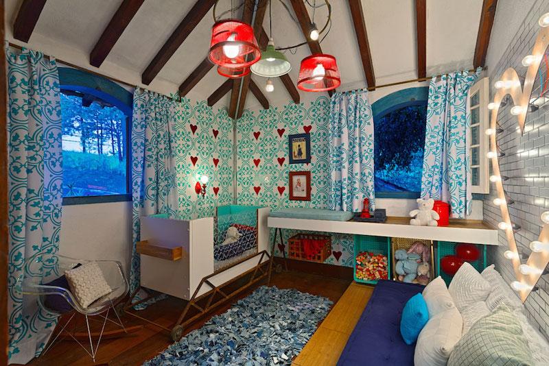 cortinas-para-quarto-de-bebê-bem-colorido