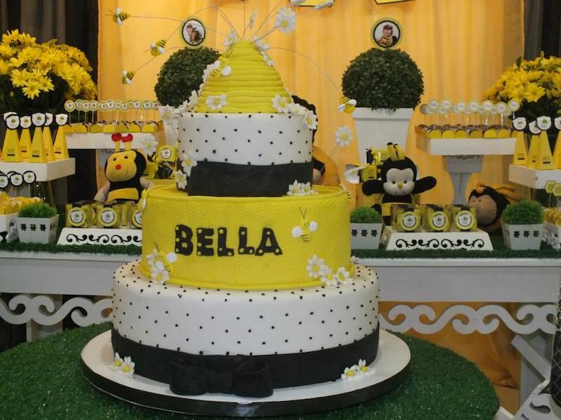 festa-infantil-abelhinha-bolo