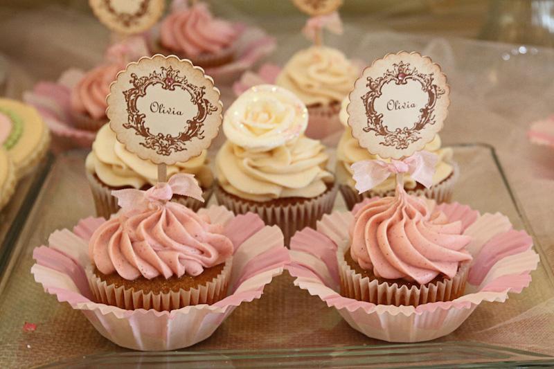 cha-de-bebe-chique-cupcakes