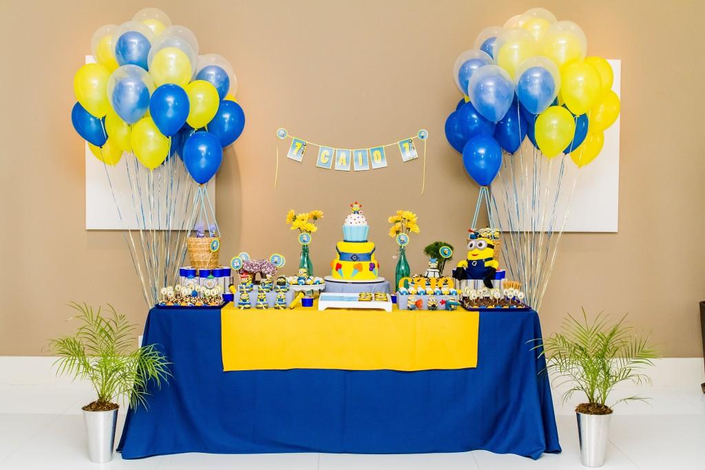 festa-infantil-minions-balões