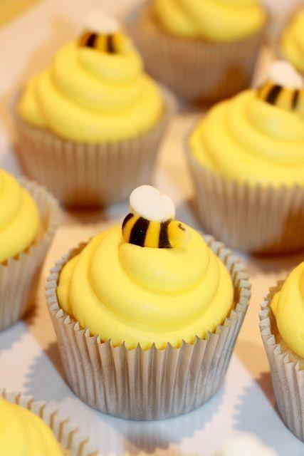 chá de bebê meninas amarelo abelha