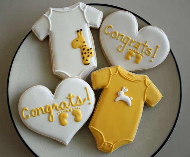 chá de bebê meninas amarelo biscoitos
