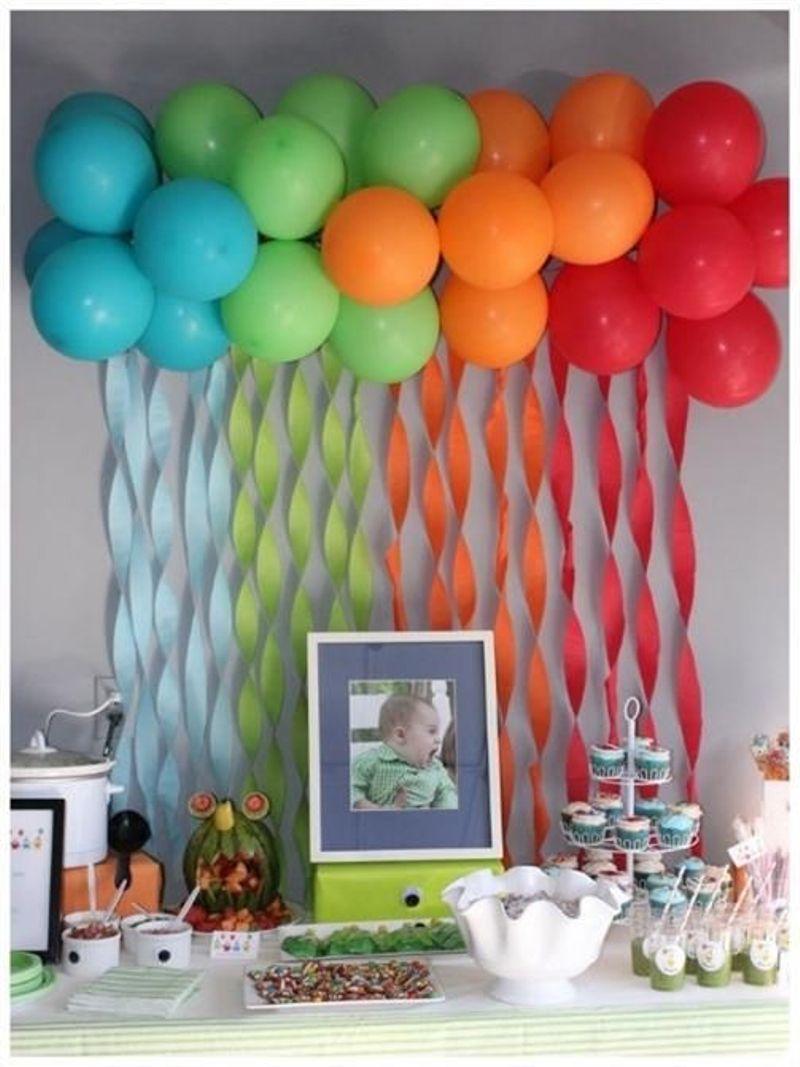 decoracao festa simples:Balões ou bexigas são presença necessária em festa infantil, não