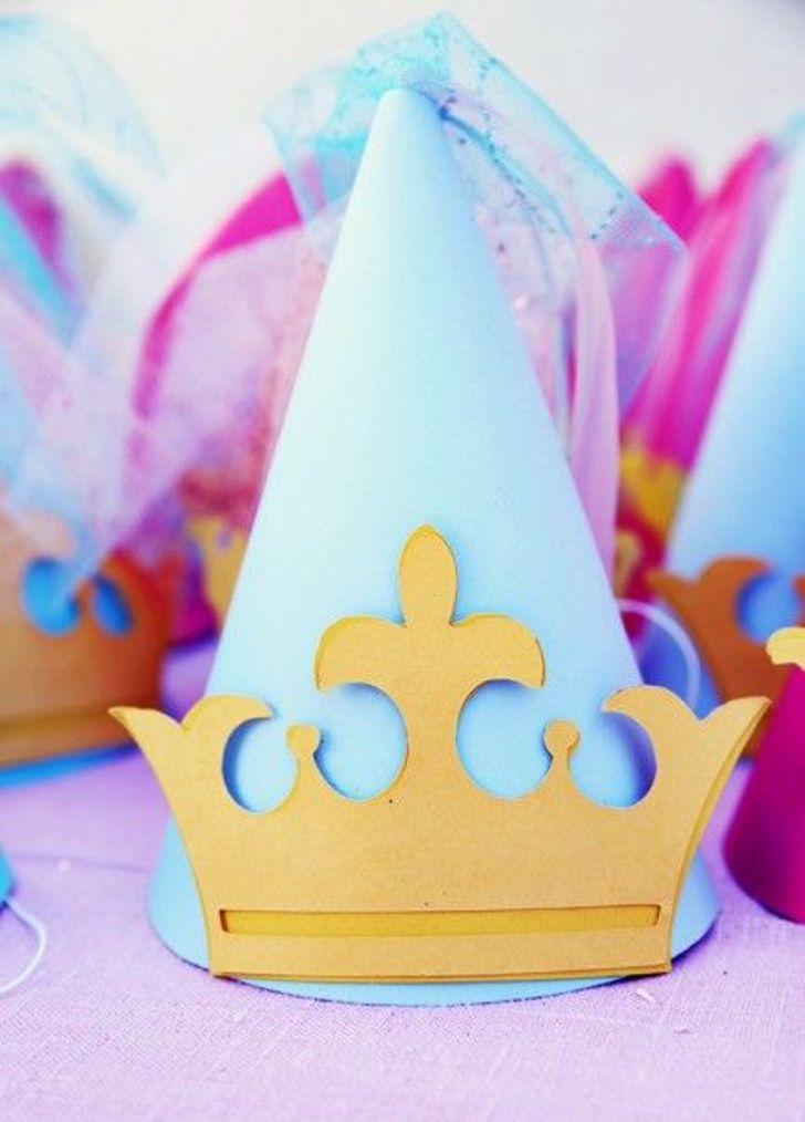 How To Make A Crown Birthday Cake