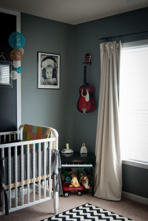 quarto infantil violão