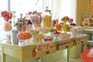Como montar uma MESA DE DOCES INCRÍVEL na festa infantil do seu filho