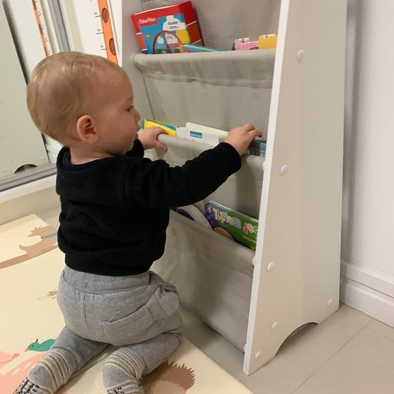 estante de livros para quarto infantil