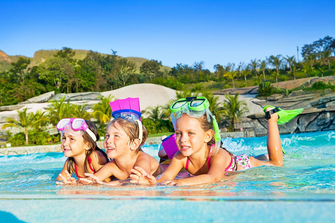 O guia essencial de roupas infantis para as férias!