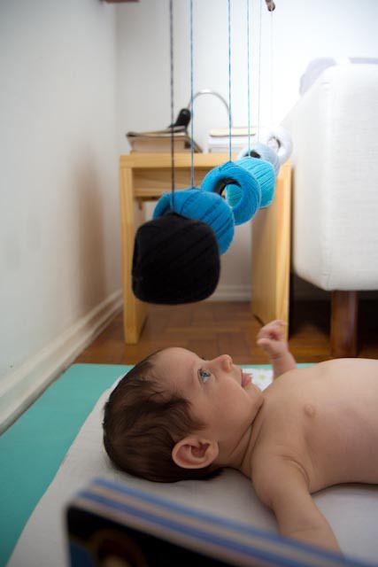 DIY – Móbiles Montessorianos para estimulação da visão do bebê