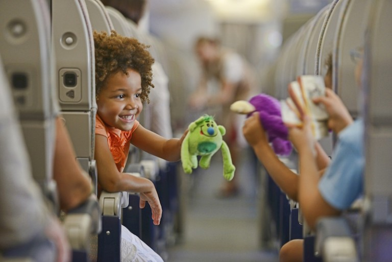 Vai viajar com crianças? Veja as dicas