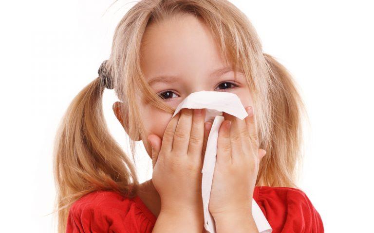 Dicas para evitar problemas nasais durante as férias escolares