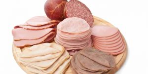 alimentos-embutidos-para-praticantes-de-musculacao