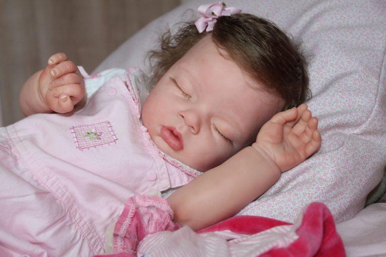 Bebê Reborn: Saiba tudo sobre essas bonecas hiper-realistas (e caras!)