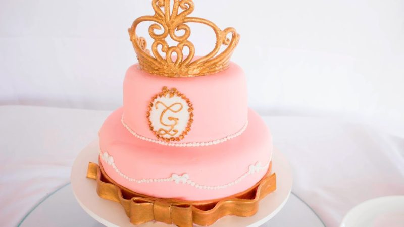 Ideia de bolo para festa infantil Princesas