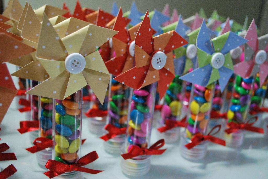 Tubetes de lembrancinhas para festa infantil