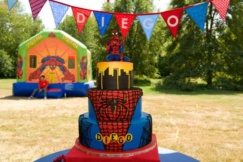 ideia de bolo de festa homem aranha