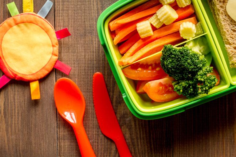 Alimentação na escola: Saiba como manter bons hábitos desde a infância