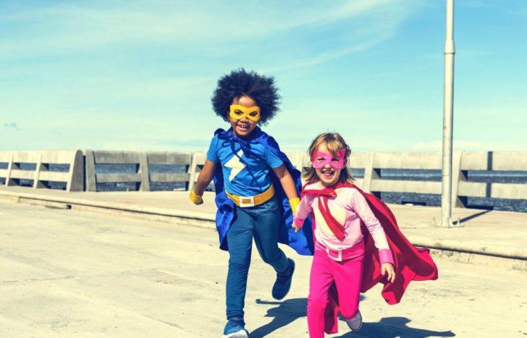 Fantasia Infantil: é bom ou ruim as crianças usarem?