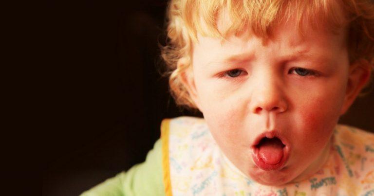 Criança engasgada: você sabe o que fazer?