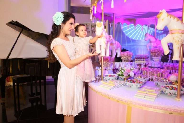 Festa Infantil: Dicas para escolher a roupa da mãe do aniversariante