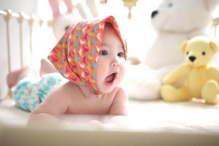 Brincadeiras divertidas para os bebês de 0 a 12 meses