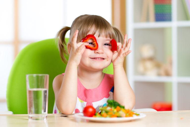 Alimentação Infantil: 10 motivos para seu filho ter acompanhamento nutricional