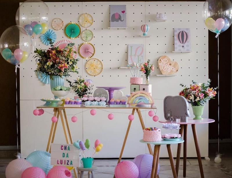 decoração criativa para mesa principal de chá de fraldas