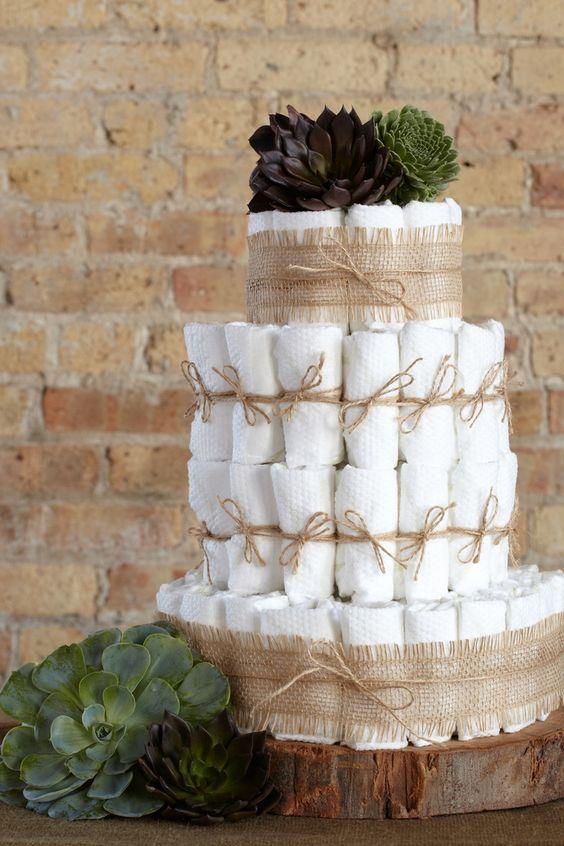 lindo bolo de fraldas rústico