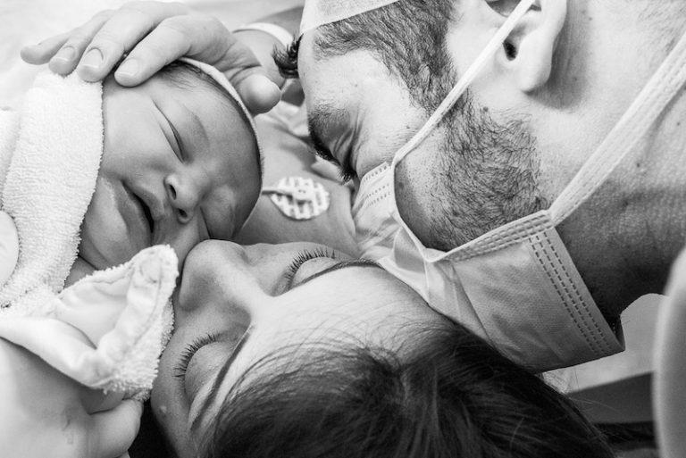 5 fotos que você deve fazer na maternidade