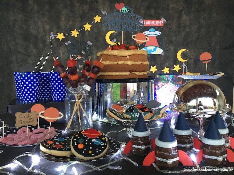 Aniversário das Galáxias – Ideias de doces, lembrancinha, mesa e mais