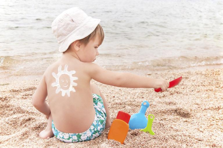 Covid-19, insolação, viroses… Saiba os cuidados especiais com as crianças durante o verão