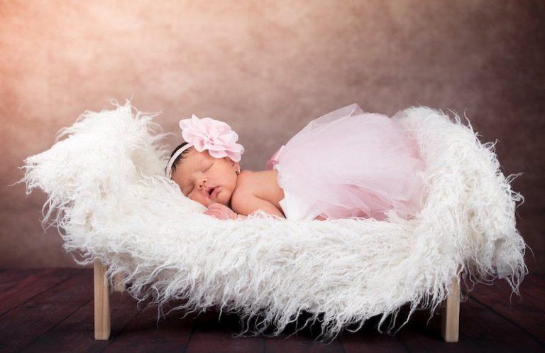 6 truques para fazer uma sessão de fotos do recém-nascido em casa