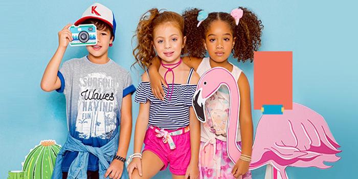 liquidação de verão em moda infantil