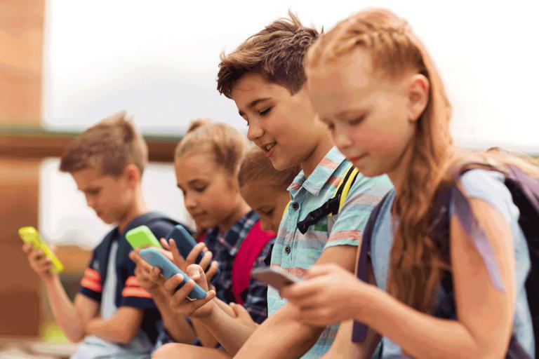 8 dicas para seu filho desmamar do digital e descobrir o mundo além das telas
