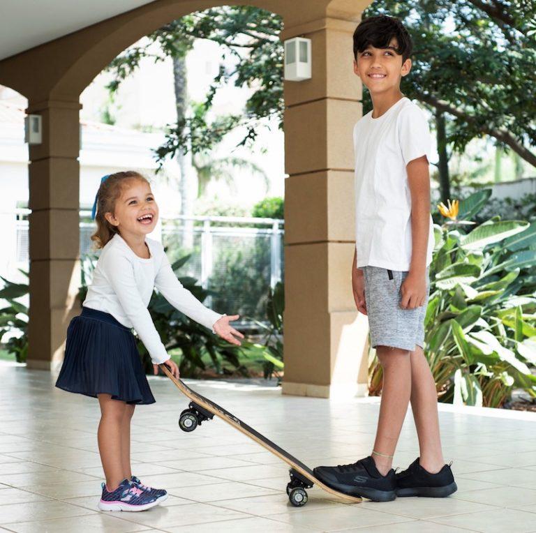 Skechers apresenta linha de tênis infantis para o retorno às aulas presenciais
